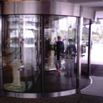 Установка автоматических дверей
